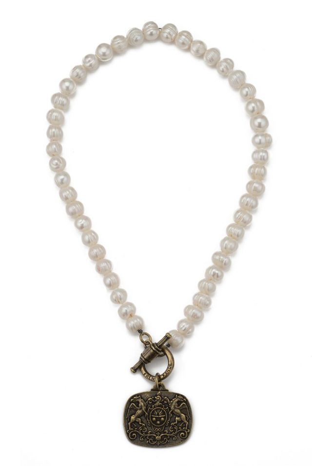 FRENCH KANDE WHITE PEARL WITH CHOICE OF MEDALLION