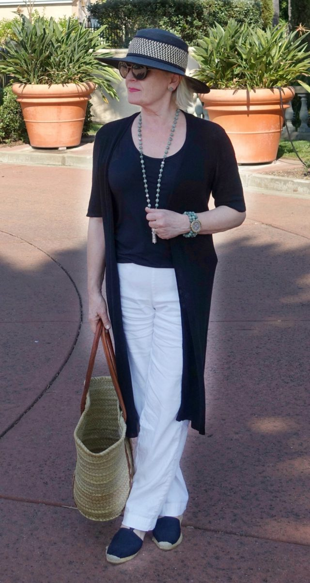 Jennifer Connolly of A Well Styled Life wearing black and white linen