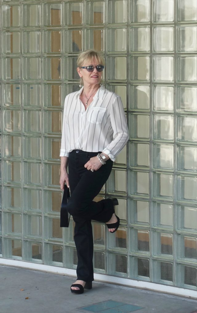 Jennifer Connolly of A Well Styled Life wearing LilySilk blouse