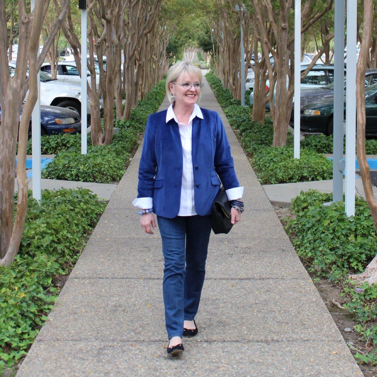 Jennifer Connolly of A Well Styled Life wearoing Talbots Velveteen Blazer