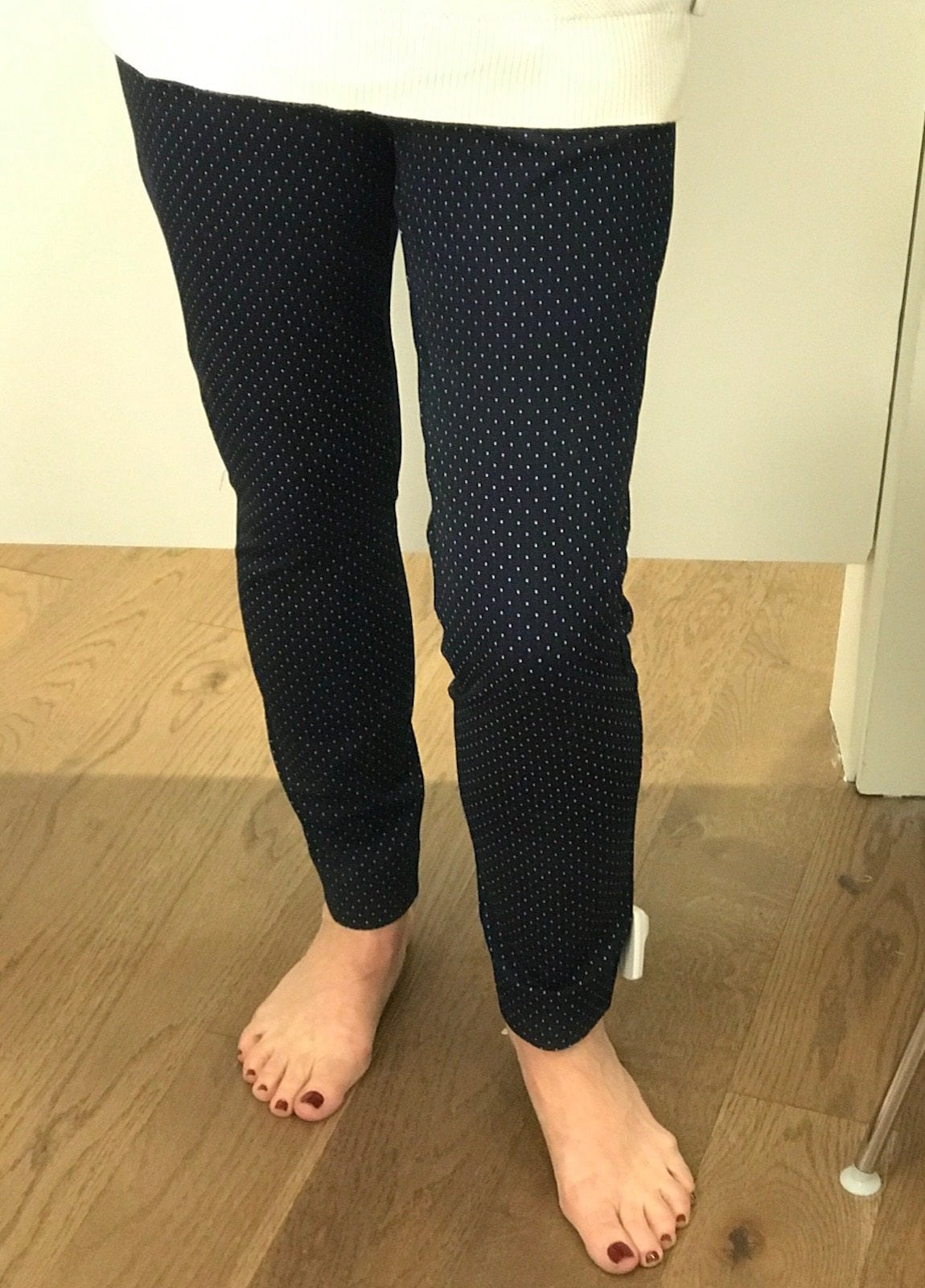 Jennifer Connolly of A Well Styled Life wearing bi-stretch ankle pant from the Gap