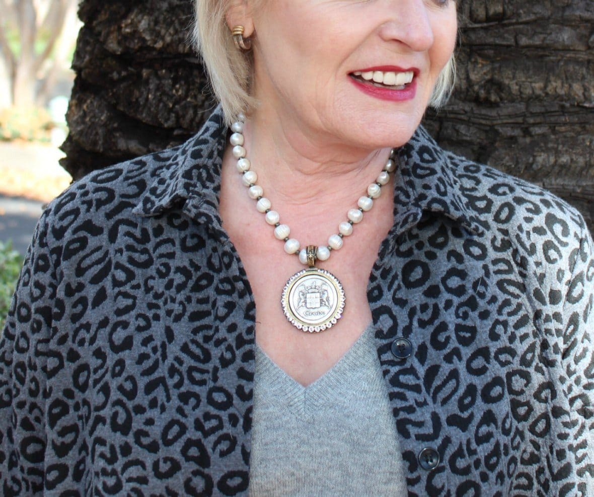 Jennifer Connolly of A Well Styled Life wearing French Kande