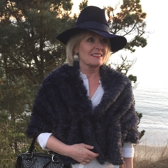 Jennifer Connolly of A Well Styled Life wearing fedora from Banana Republic