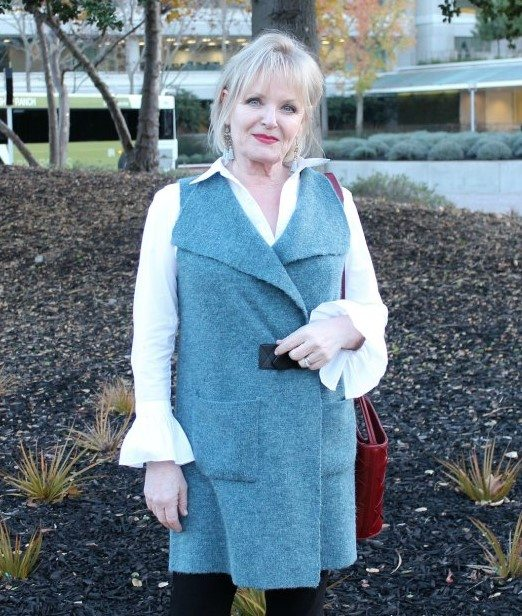 Jennifer Connolly of A Well Styled Life wearing Soft Surroundings